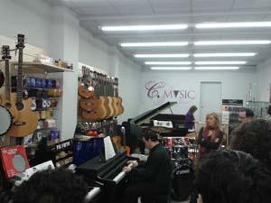 Yamaha junto con C-Music organizó una demo de la serie Arius y Clavinova